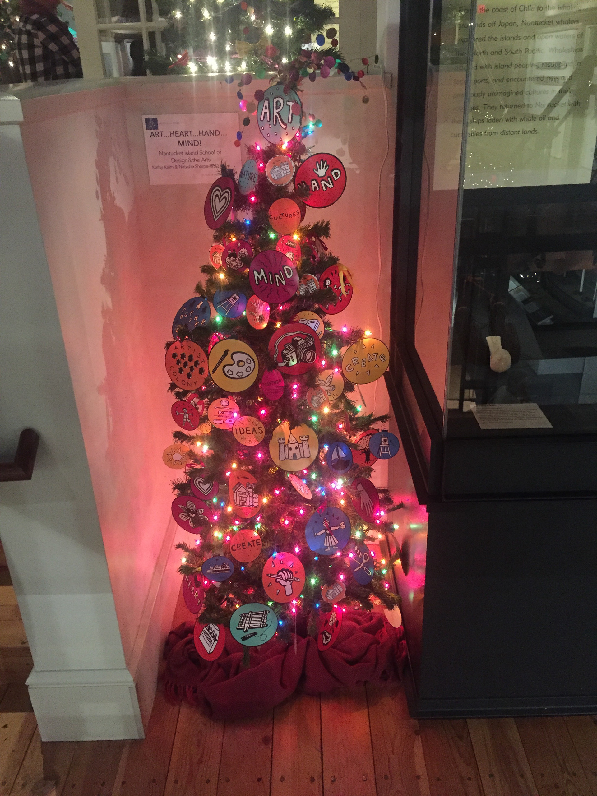 ornament designs for the nisda tree featured in the nantucket christmas stroll a community event in which island businesses non profits decorate main