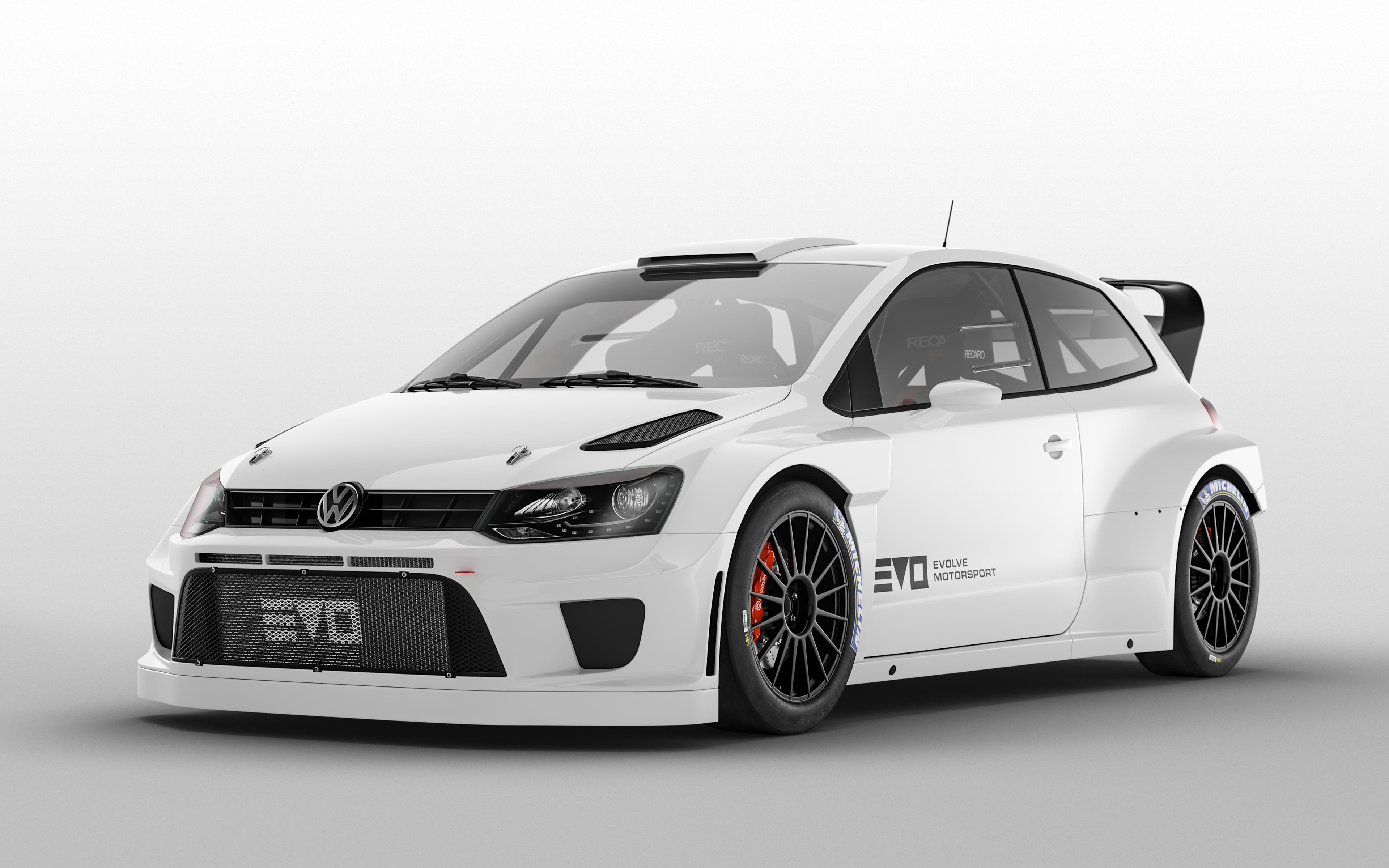 Bartosz Peksa Evolve Motorsport Cars