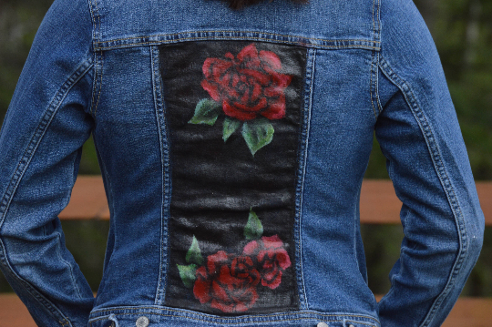 c232c79345636 Carly Sedler - hand painted clothing